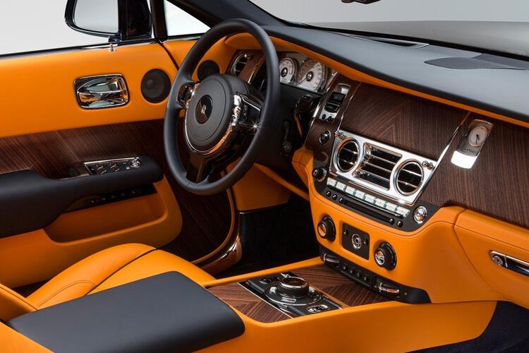 Rolls Royce Dawn Convertible 6.6 V12 563PS  2Dr Auto inside view